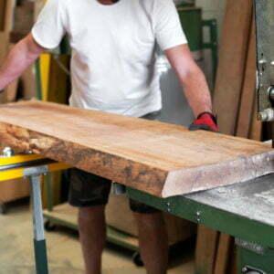 Scier en scierie coupe du bois